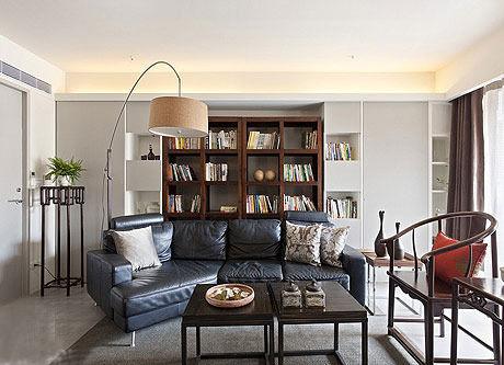 不少家庭选择红木沙发和欧式餐台进行相互搭配